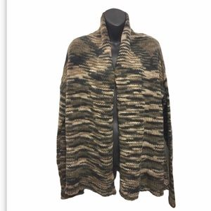 NWT Cardigan Wool Sweater Camo Color. Size L/12-14